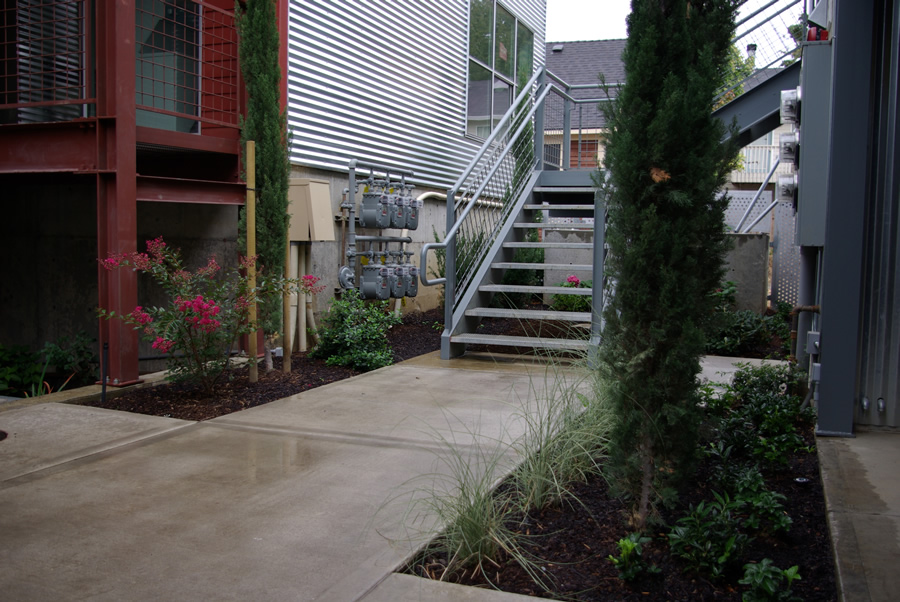 Commercial landscaping image