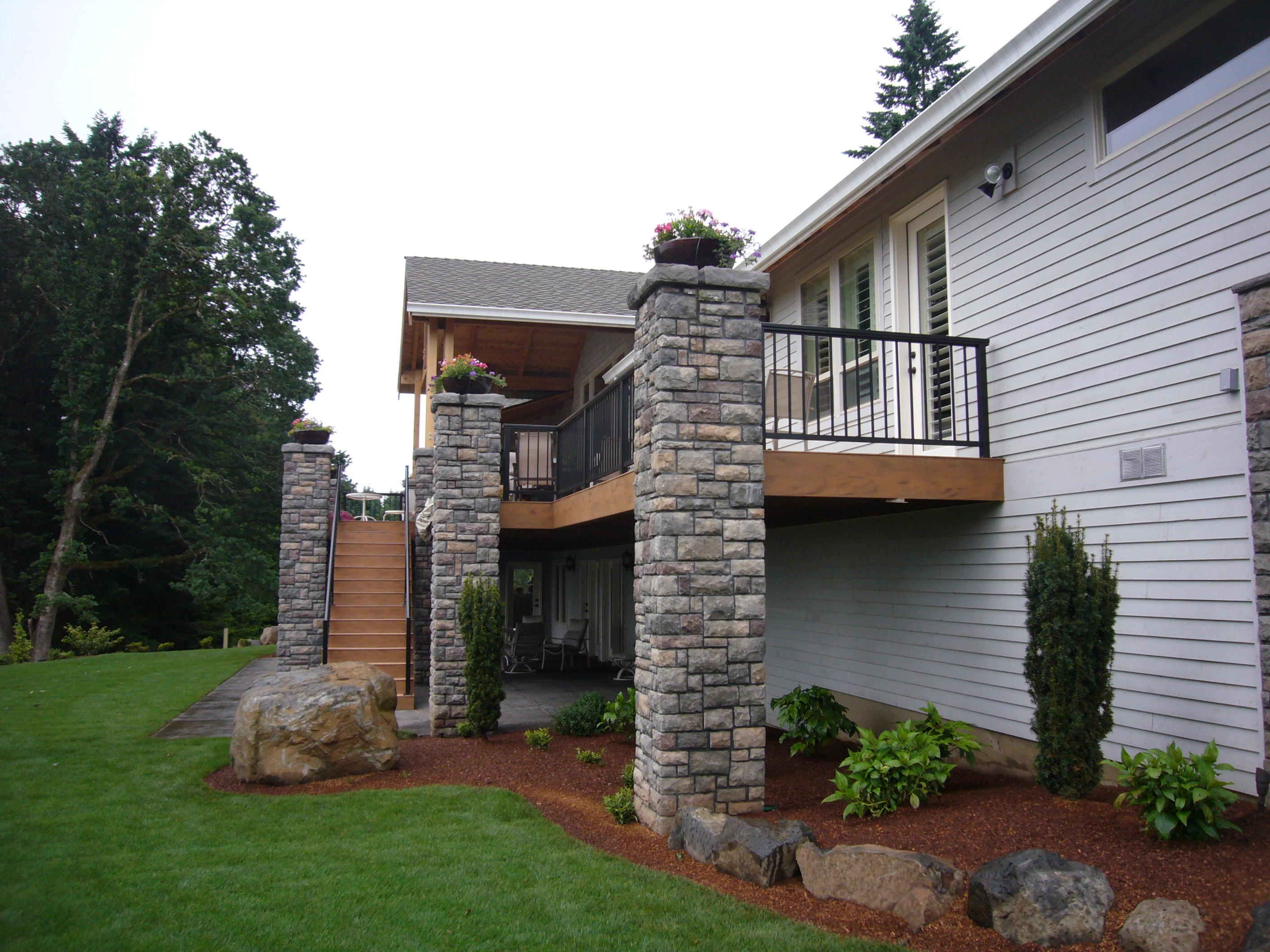 Residential Landscape Maintenance With Aurora Landscape Nw