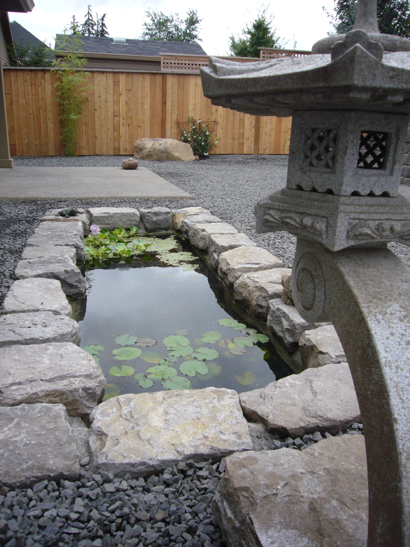 Res71-waterfeature,boulders,rockgarden